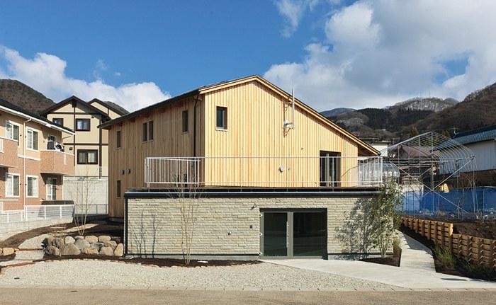 山形エコハウス(2010年)。「21世紀環境共生型モデル住宅整備事業」として建設されたもの