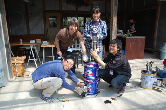 2012年4月、green drinks BOSOで行われた、「春の中華祭り」中華料理は火力が強くないと美味しくない! と、美味しい中華を食べるためにロケットストーブをみんなでつくりました。(菜央さん)